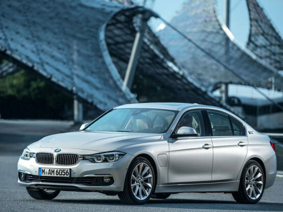 Guide on BMW 330e 2015 charging